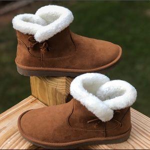 Arizona Snowcap Chestnut Fur Boots Women's Size 6